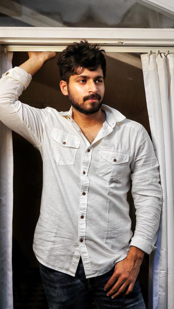 10 poses from Harish Kalyan to keep your Instagram game up