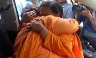 Uma Bharti bows, Sadhvi Pragya cries