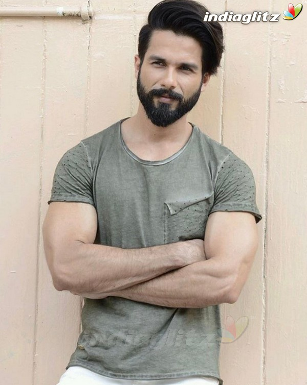 Shahid Kapoor Photos Bollywood Actor Photos Images Gallery