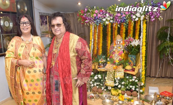 Bappi Lahiri Celebrates Ganesh Chaturthi Festival 2017