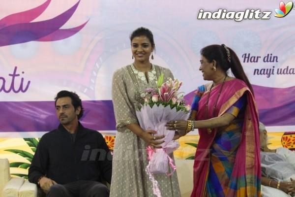 Events - Arjun Rampal Aishwarya Rajesh Visit The Girls of