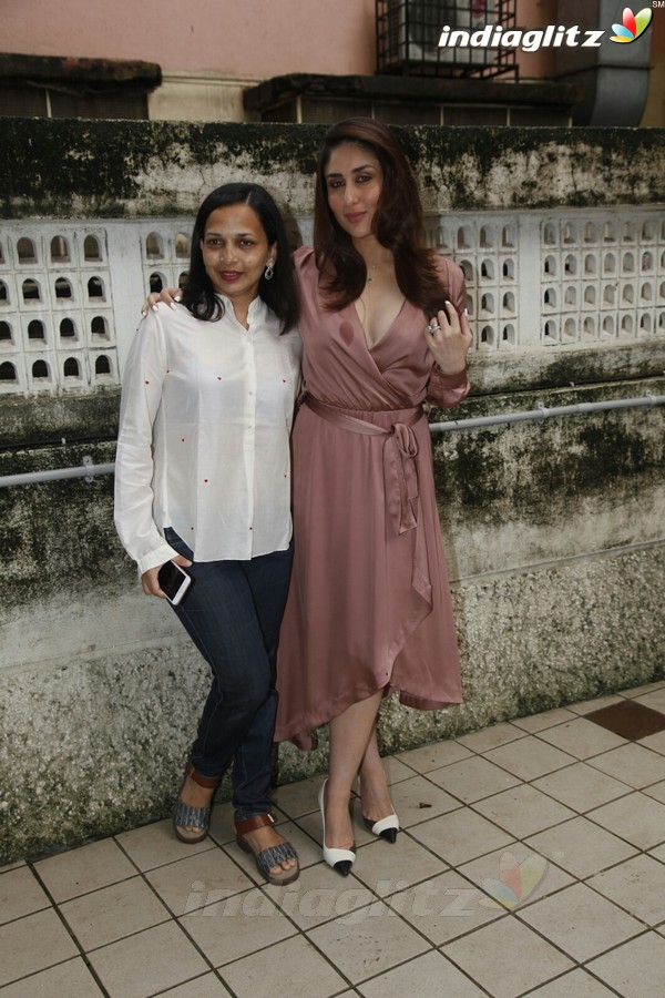 Kareena Kapoor Spotted With Her Nutritionist Rujuta Diwekar