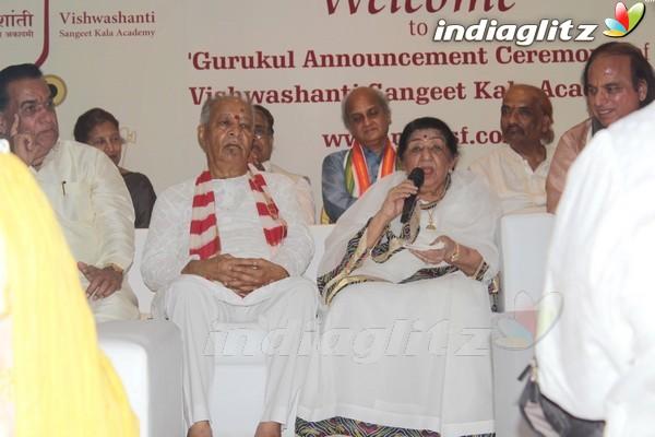 Lata Mangeshkar at Sangeet Gurukul in Vishwashanti Sangeet Kala Academy Opening