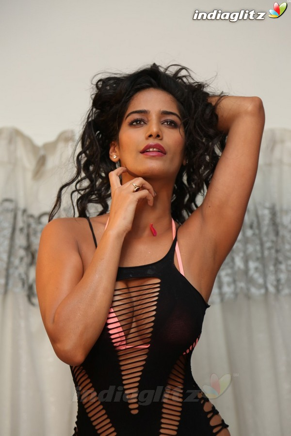 Events - Poonam Pandey's Sexy Photoshoot to Promote Short