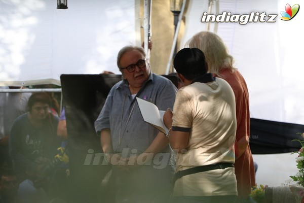 Rishi Kapoor Spotted at '102 Not Out' at Bandra Location