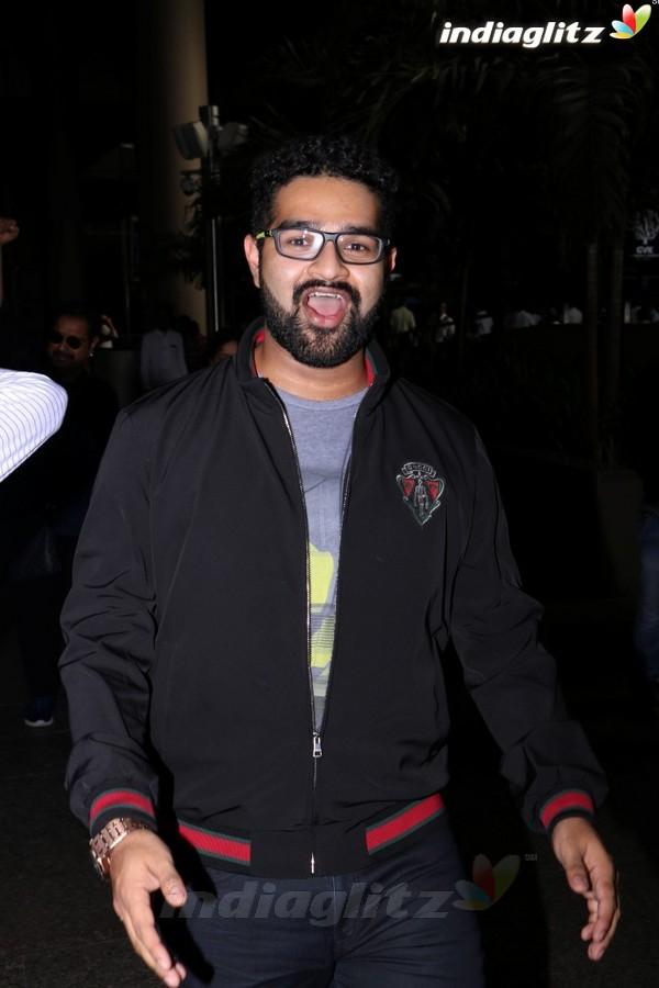 Shankar Mahadevan With Family Spotted at Airport
