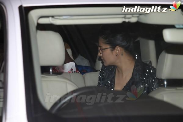 Shruti Haasan Spotted at Airport