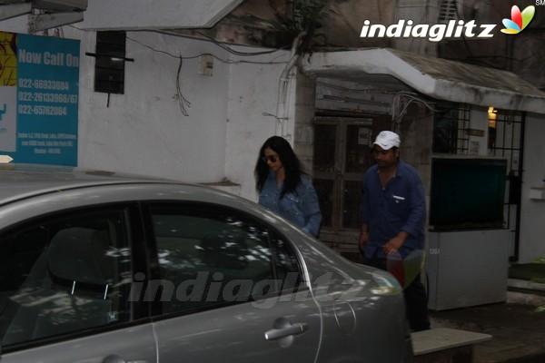 Sridevi, Jhanvi Kapoor & Alia Bhatt Spotted at Salon in Juhu