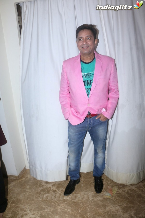 Sukhwinder Singh Celebrates Pre-Birthday With Fans