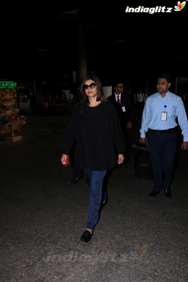 Sushmita Sen Spotted at Airport
