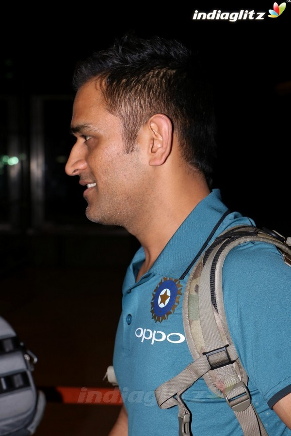 Indian Cricket Team Spotted at Airport