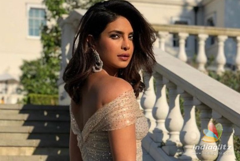 Watch How Priyanka Chopra Hid Her Engagement Ring Again!