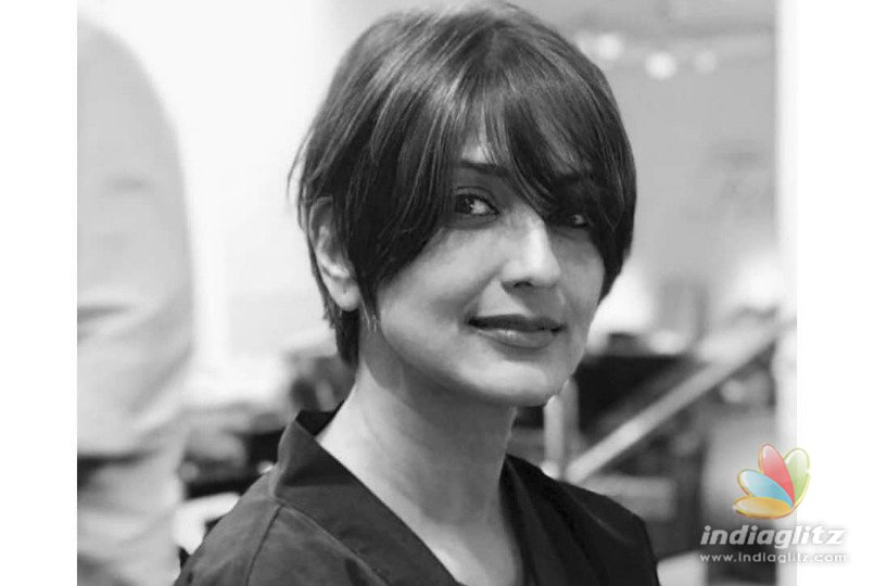 Sonali Bendre Embraces Life With Cancer