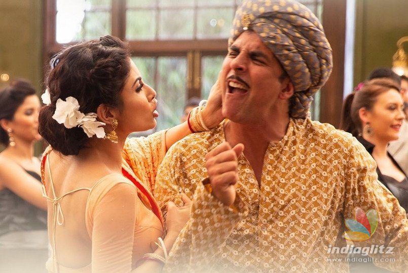 Akshay Kumar's Trippy Dhoti-Dance In 'Gold's Chad Gayi Hai Is A Must Watch!