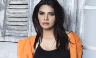 Sherlyn Chopra takes another dig