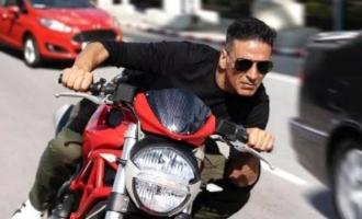 Akshay Kumar responds to 'Dhoom 4' reports