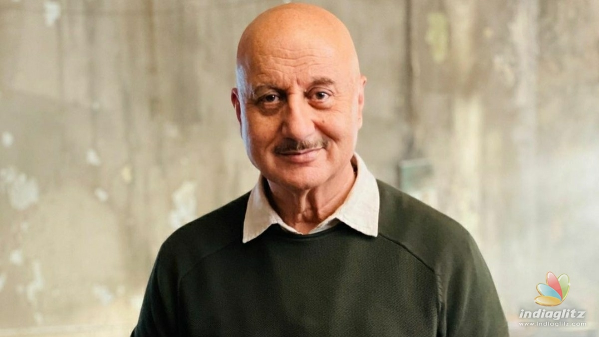 Anupam Kher bags the best actor award for this movie