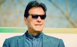 Pak PM Imraan Khan uses Bollywood to his advantage