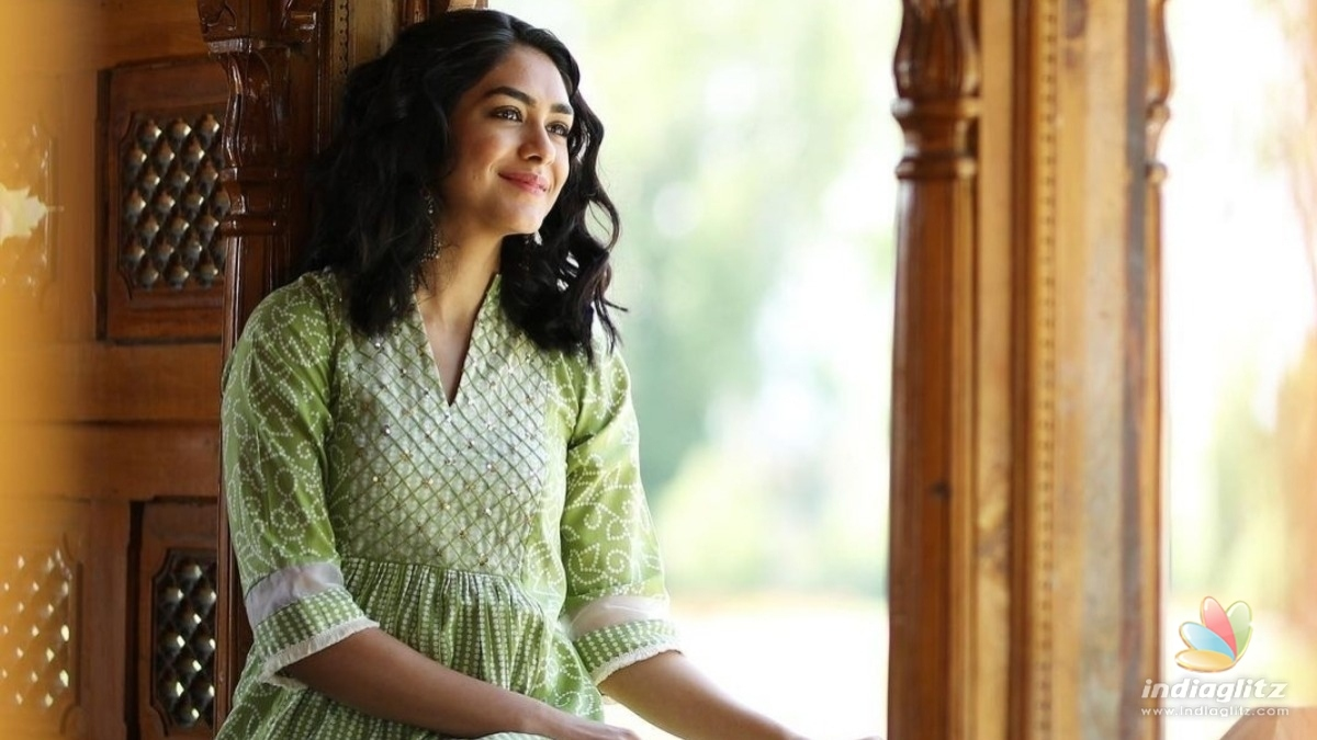 Mrunal Thakur reveals how she copes up with workspace stress