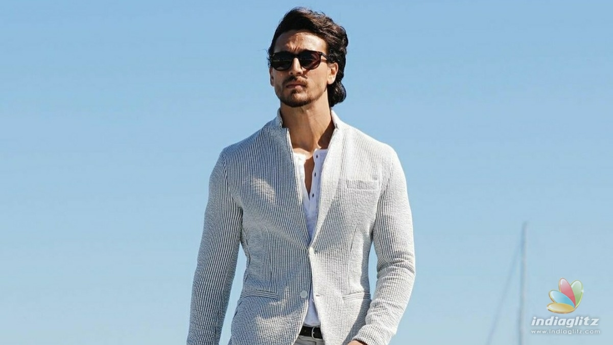 Tiger Shroff surprises his fans in an epic way