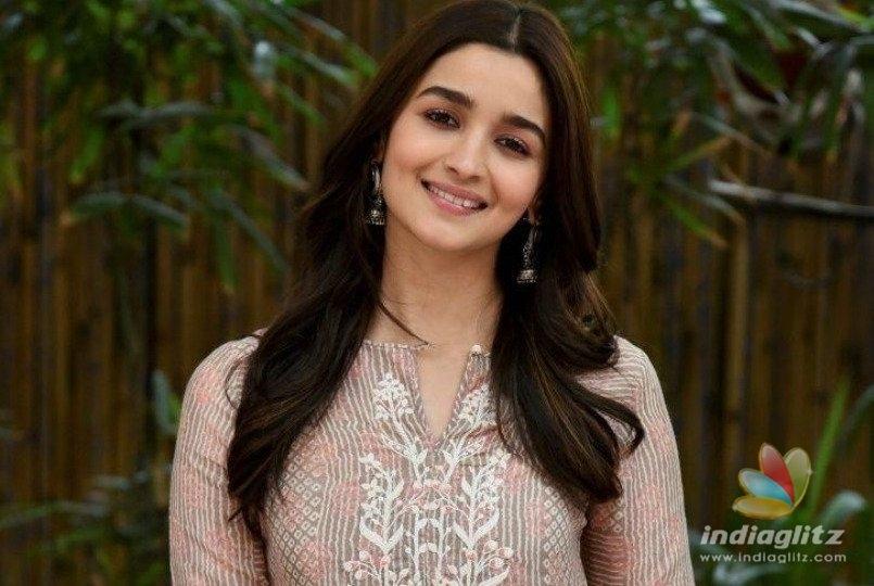 Alia Bhatt Opens Up On Kangana Ranauts Mediocre Remark!