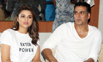 Akshay Kumar & Parineeti Chopra at Women Self Defence Graduation Day
