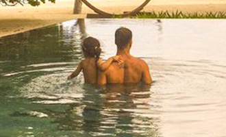 Akshay Kumar enjoys pool side with daughter Nitara