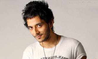 Tanishk Bagchi toys with Atmos-pop for 'Raat baaki' remake