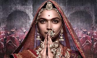 Deepika draws Irani's attention to attack on 'Padmavati' rangoli