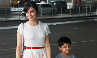 Divya Khosla Kumar Spotted at Airport