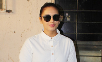 Huma Qureshi Spotted at Scrabble Digital Studio