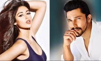 Randeep Hooda and Ileana D'Cruz indulge in virtual script reading session.