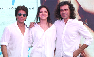 Shah Rukh Khan & Anushka Sharma at Song Launch of Film 'Jab Harry Met Sejal'
