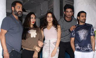 Team 'Kedarnath' Sushant Singh Rajput & Sara Khan Dine at Olive Bar