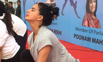 Kirti Kulhari at A Yoga Event