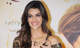 Girls shouldn't take their dads on first drive: Kriti Sanon