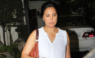 Lara Dutta Spotted at Bandra