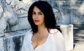 Mallika Sherawat points out a serious issue with Bollywood