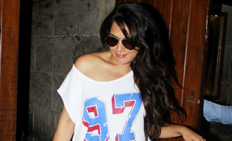 Richa Chadha Spotted at Indigo Delicatessen