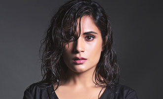 Richa Chadha's mother to her rescue