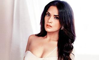 Richa Chadha skips Diwali for work