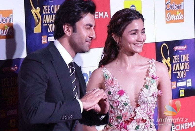 Alia Bhatt & Ranbir Kapoor Dancing To Ishq Wala Love Is Unmissable!