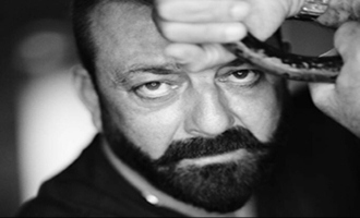 This throwback post of Sanjay Dutt is perfect tribute to Indian soldiers