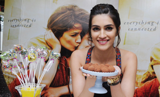 Kriti Sanon at Fun Interactive Chocolate Making Session