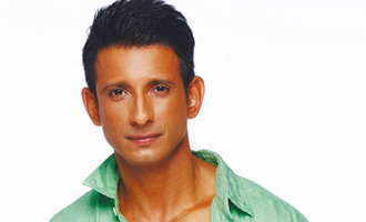 Sharman Joshi flaunts carved body in 'Hate Story 3'