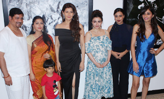 Soha Ali Khan & Swara Bhaskar at Exhibition of Mr Bharat Thakur Art Gallery