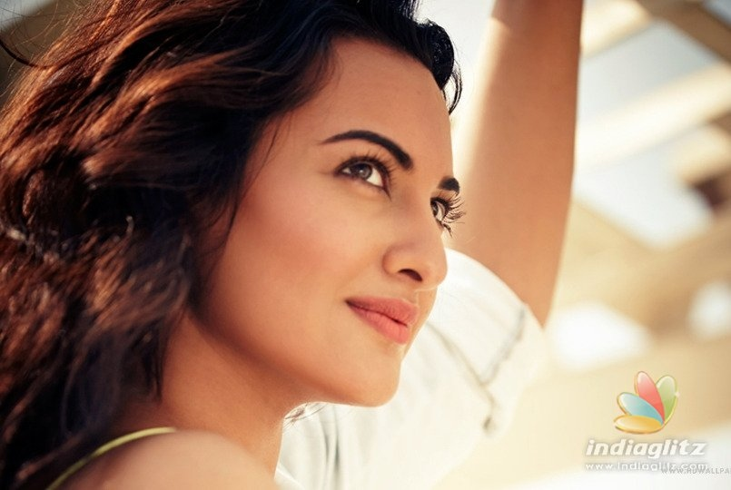 Sonakshi Sinha Had This To Say On Father Shatrughan Sinha Quitting BJP!
