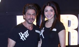 Shah Rukh Khan & Anushka Sharma at 'Beech Beech Mein' Song Launch from 'Jab Harry Met Sejal'