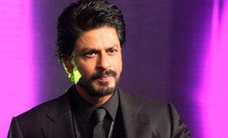 SRK condoles death of cancer-stricken fan