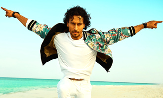 Tiger Shroff creates FANTASTIC beach looks which will inspire you